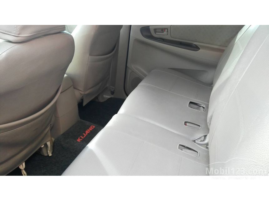 2010 Toyota Kijang Innova G MPV