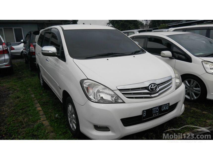 2011 Toyota Kijang Innova V Luxury MPV