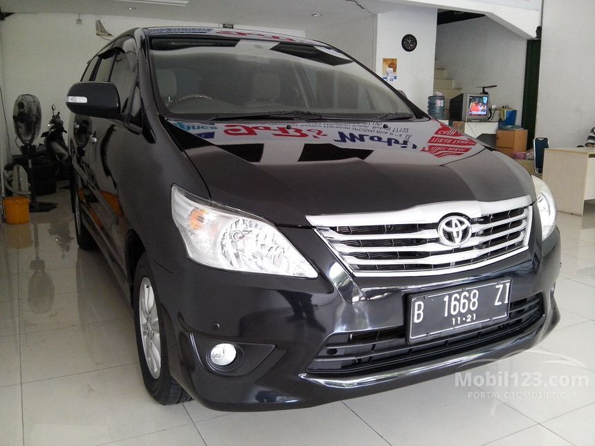 2011 Toyota Kijang Innova V MPV