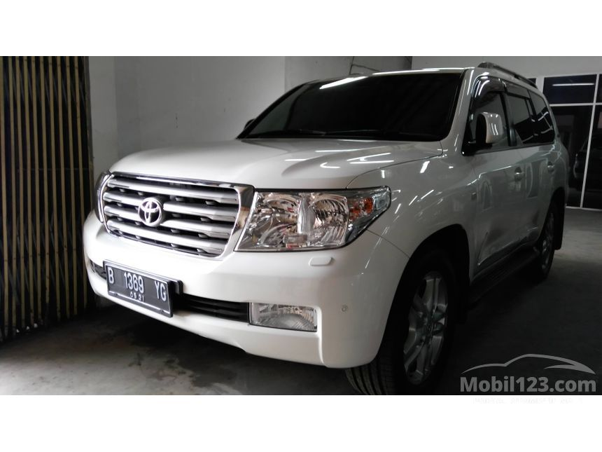 2011 Toyota Land Cruiser V8 D-4D 4.5 Automatic SUV Offroad 4WD