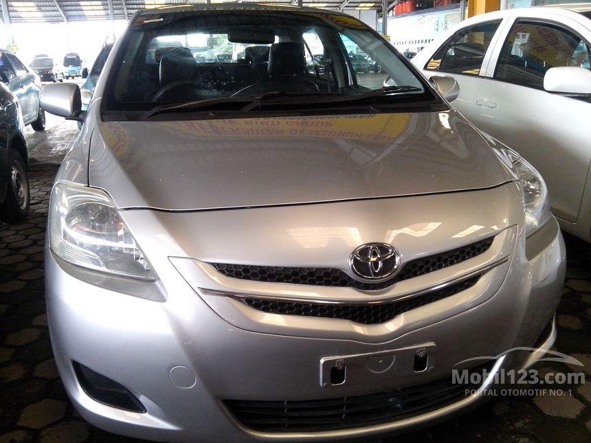 2010 Toyota Limo Sedan
