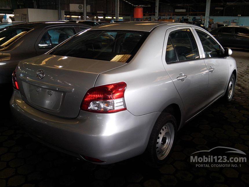 2011 Toyota Limo Sedan