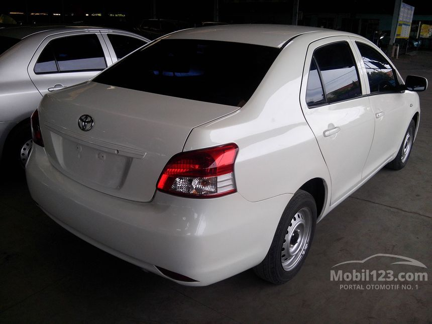 2010 Toyota Limo Sedan