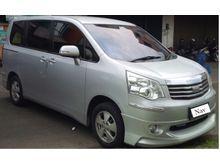 2013 Toyota NAV1 2.0 Luxury V MPV