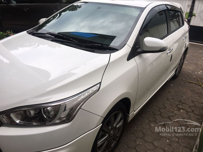 2014 Toyota Yaris Compact Car City Car