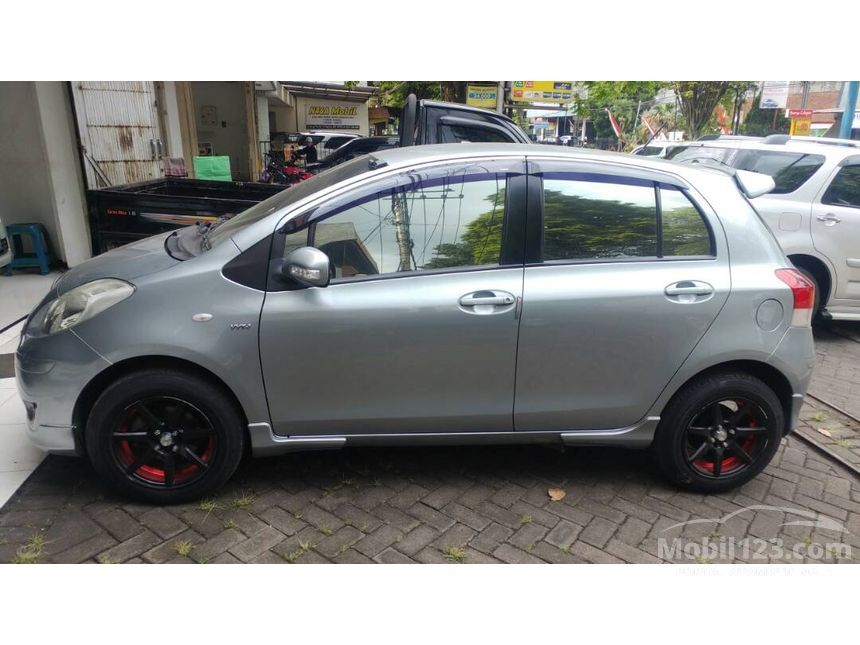 Jual Mobil Toyota Yaris 2010 E 1.5 di Jawa Timur Automatic ...