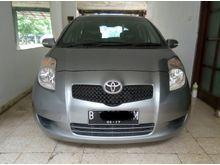 2007 Toyota Yaris 1.5 E Automatic abu abu Hatchback