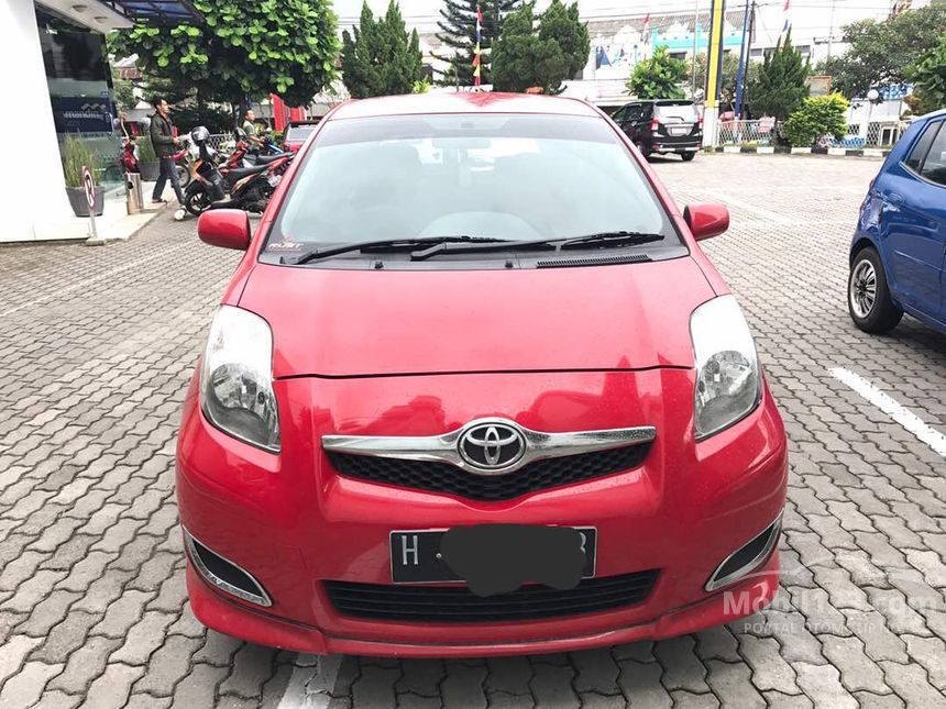 toyota yaris 2012 e 1 5 di jawa tengah manual merah rp 3698393. Black Bedroom Furniture Sets. Home Design Ideas