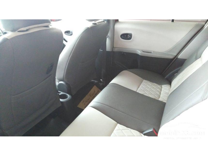 2012 Toyota Yaris J