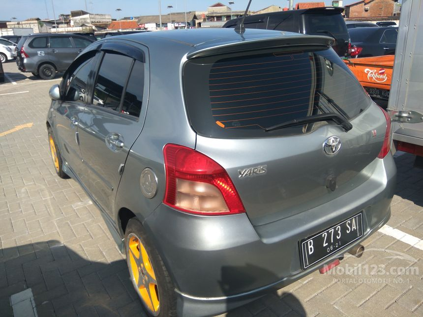 2006 Toyota Yaris S Limited Hatchback