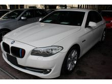 2011 BMW 523i 2.5 (A) UNREG -- TIP TOP CONDITION --