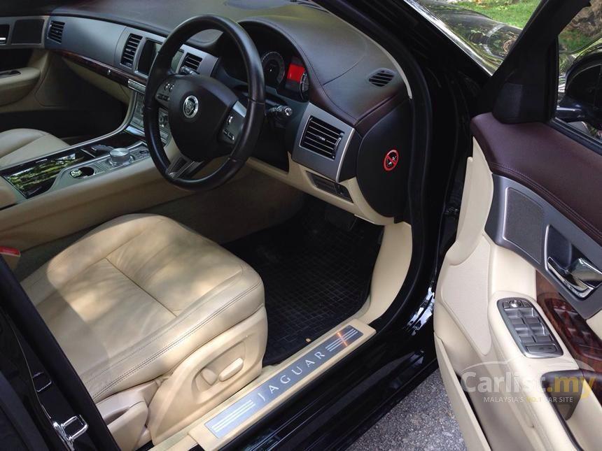 2011 Jaguar XF Luxury Sedan