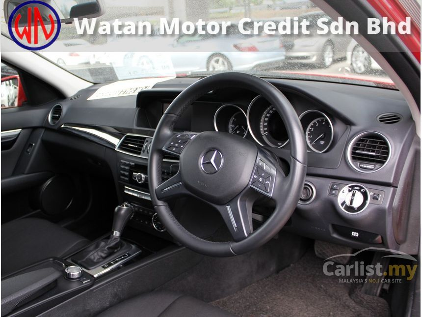 2012 Mercedes-Benz C180 BlueEFFICIENCY Sedan