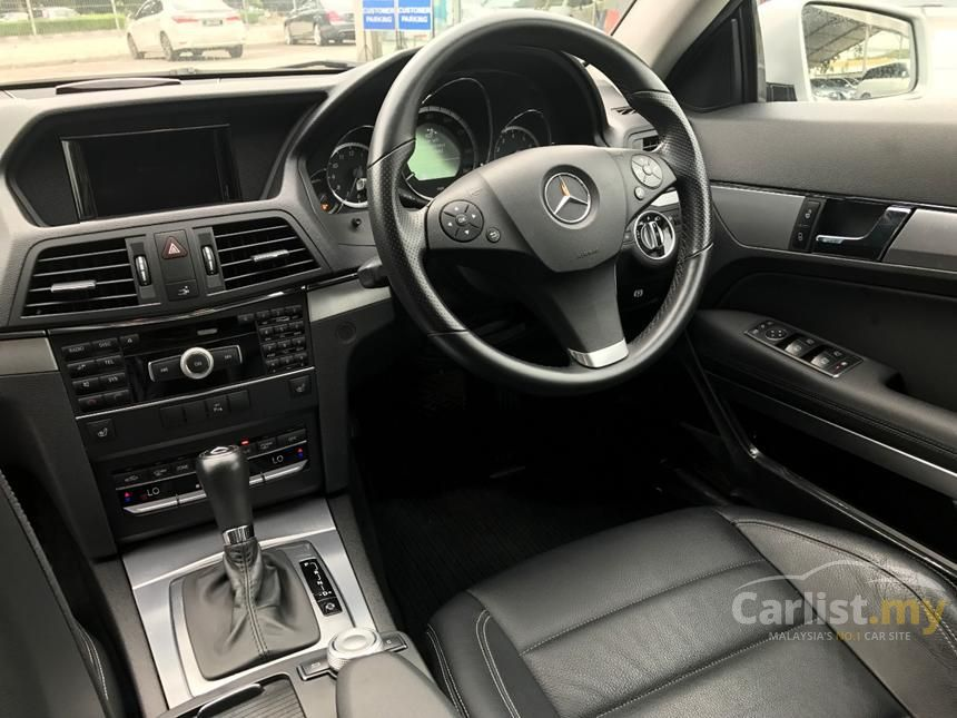 2010 Mercedes-Benz E200 CGI Elegance Sedan