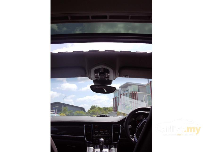 2013 Porsche Panamera 4 Hatchback