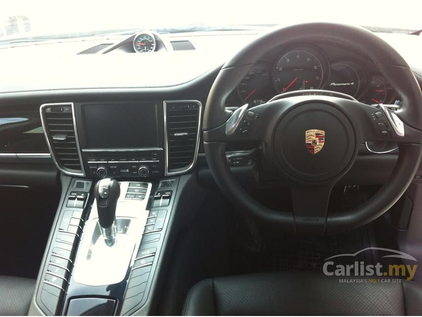 2011 Porsche Panamera 4 Hatchback