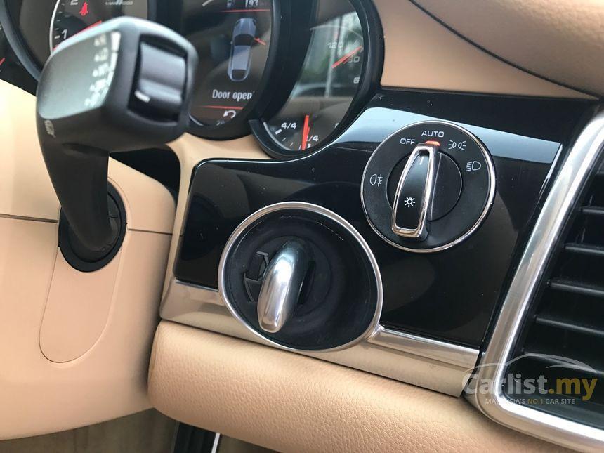 2014 Porsche Panamera Hatchback