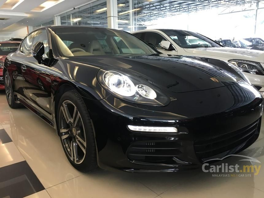 2015 Porsche Panamera S Hatchback