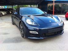 2013 Porsche Panamera 4.8 GTS SPORT CHRONO SPORT EXHAUST SPORT STEERING BOSE PREMIUM SOUND SYSTEM AIR MATIC SUNROOF LEATHER WITH ALCANTARA SEATS