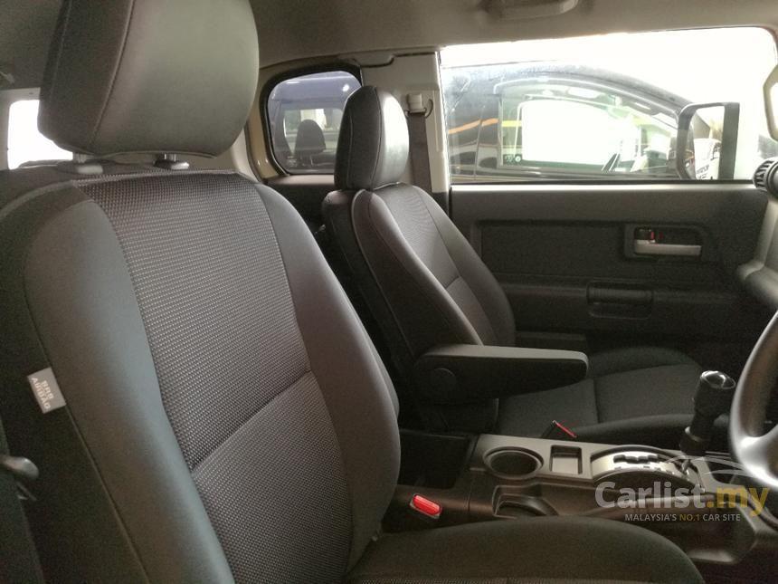 2011 Toyota FJ Cruiser SUV