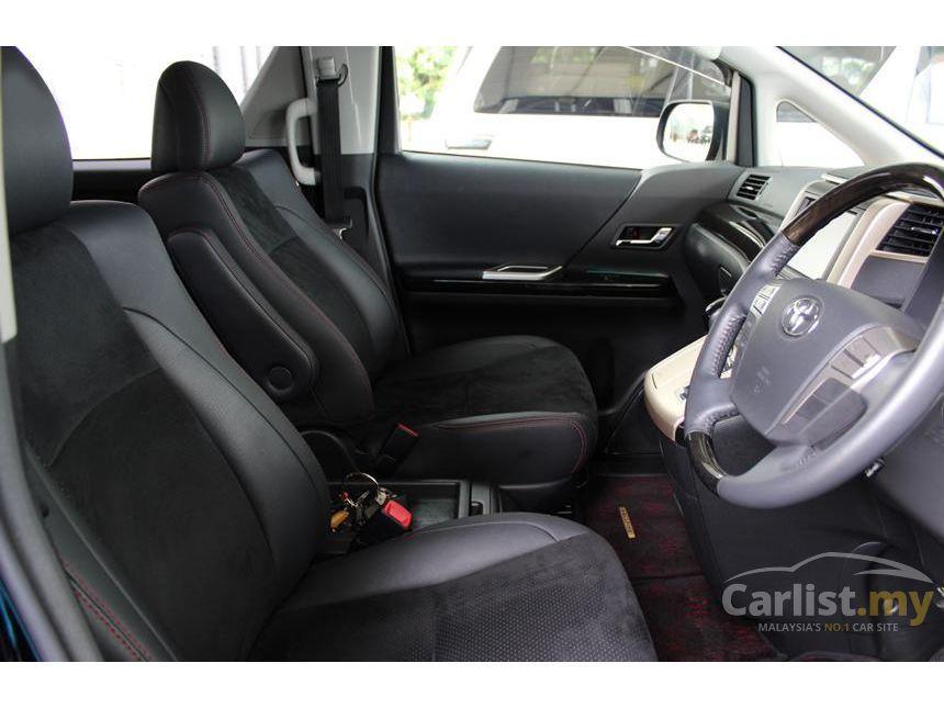 2013 Toyota Vellfire Z MPV