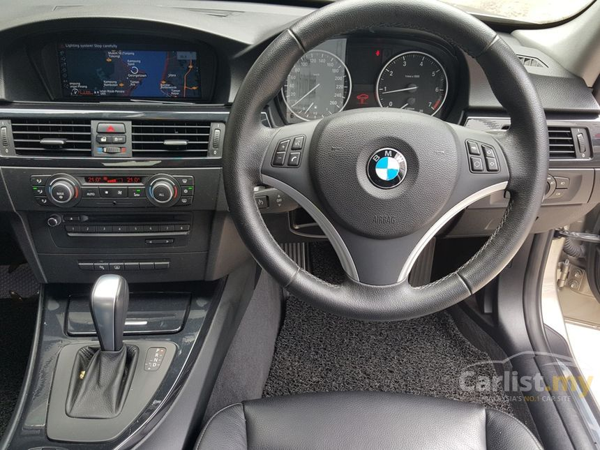 BMW 320i 2011 Executive 20 in Penang Automatic Sedan Bronze for