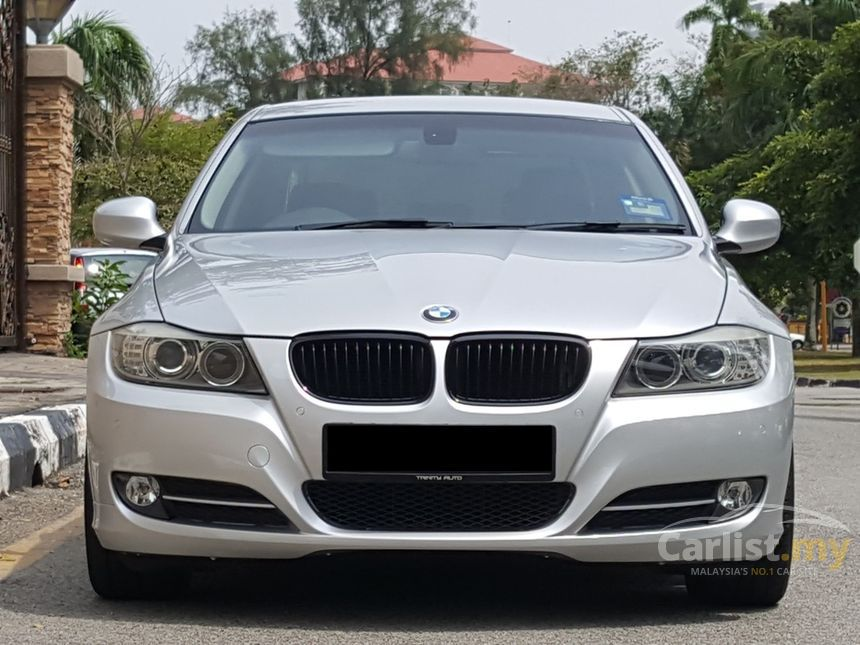 BMW 320i 2010 Lifestyle 20 in Penang Automatic Sedan Silver for