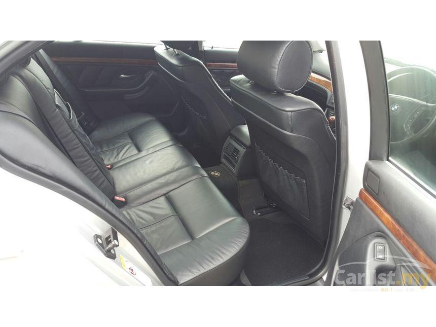2002 BMW 525i Sedan