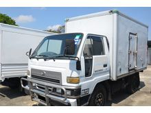 1 Ton Daihatsu Delta V58R-HS Lorry, Insulated Ice Box Van Body, 2.8cc, 4500kg, Diesel, Green Engine