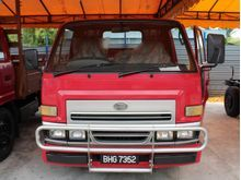 2004 Daihatsu Delta 2.7 (M) -- WELL MAINTAINED --