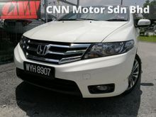 VA HIGH SPEC - LEATHER SEAT - DVD - CAMERA -MILEAGE ONLY 28K - 1 OWNER - SELLING FAST - FULL LOAN -