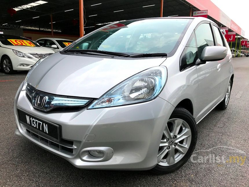 honda jazz 2014 hybrid 1 3 in kuala lumpur automatic hatchback silver for rm 54 800 3624006. Black Bedroom Furniture Sets. Home Design Ideas