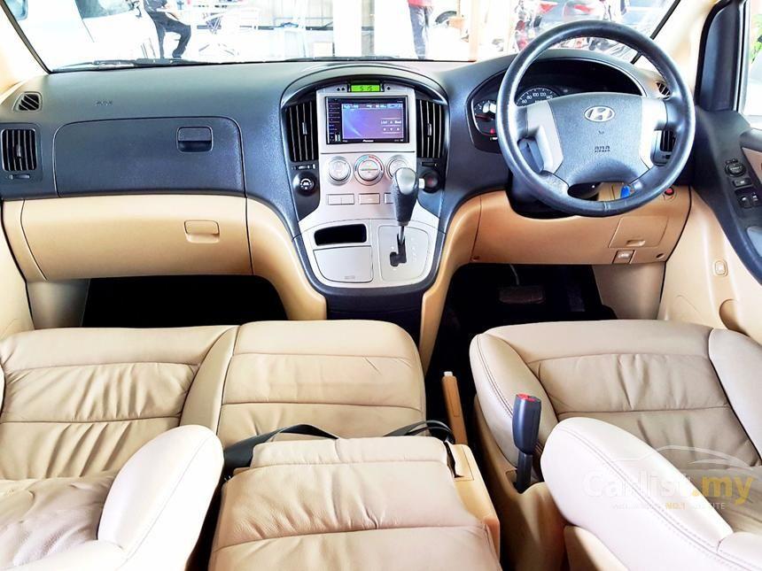 2011 Hyundai Grand Starex Royale MPV