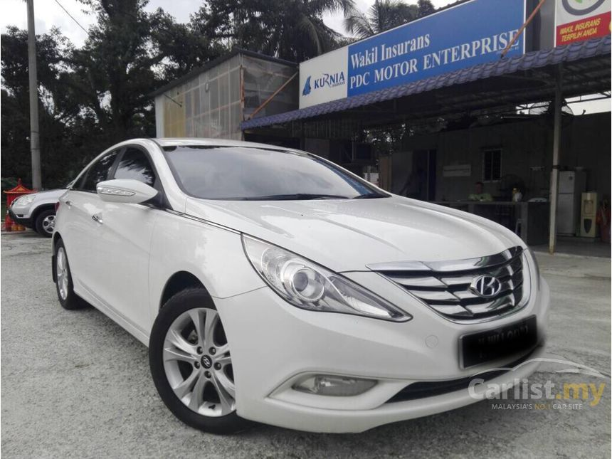 hyundai sonata 2013. 2013 hyundai sonata executive sedan n