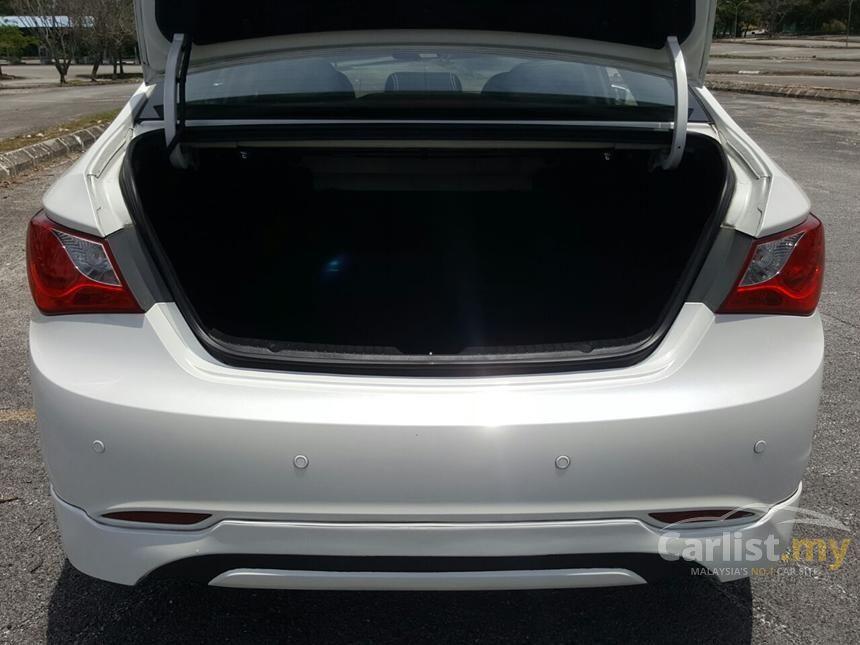 2012 Hyundai Sonata Executive Sedan