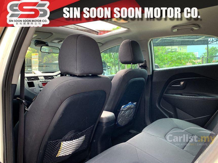 2013 Kia Rio SX Hatchback
