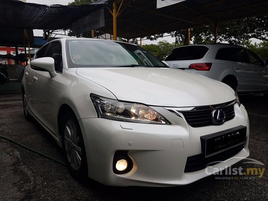 2011 Lexus CT200h Hatchback