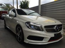 2013 Mercedes-Benz A250 2.0 AMG Sport Panoramic Roof Harman Kardon Sound System Reverse Camera