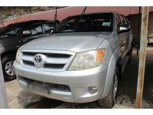 2005 Toyota Hilux 2.5 (A) -- GREAT DEAL --
