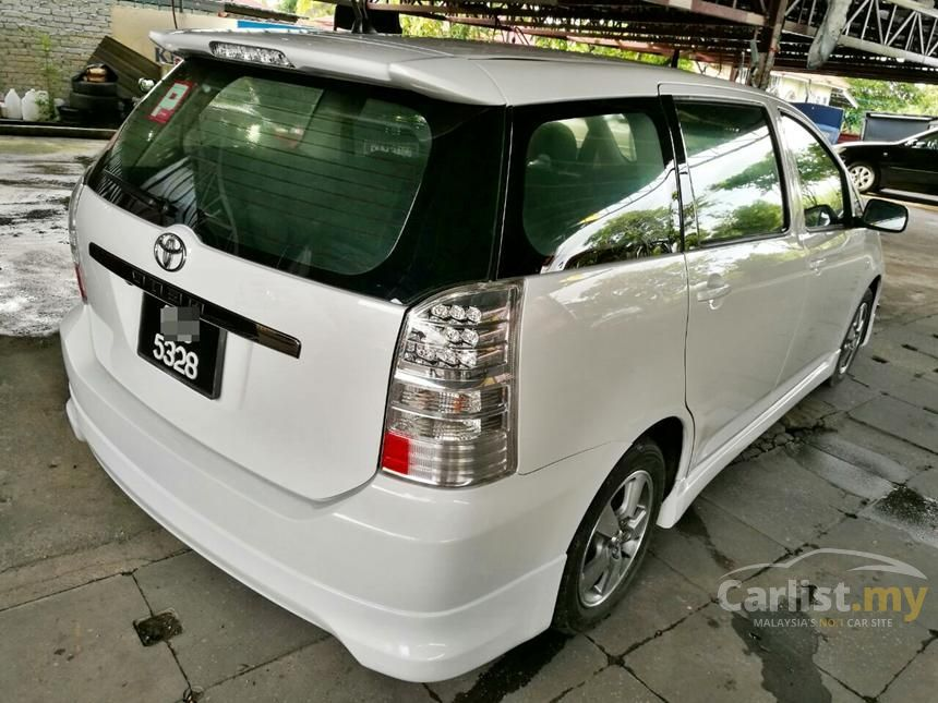 2005 Toyota Wish MPV