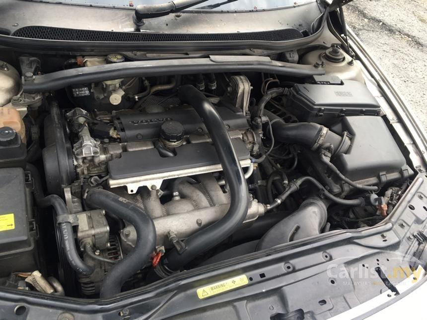 2005 Volvo S60 Sedan