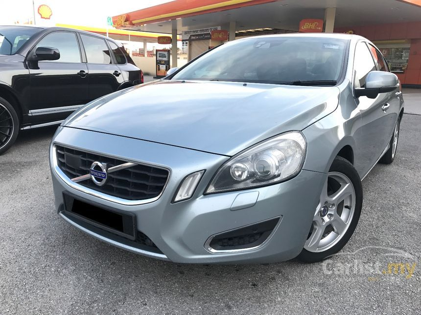 Volvo S60 2011 T5 20 in Selangor Automatic Sedan Silver for RM