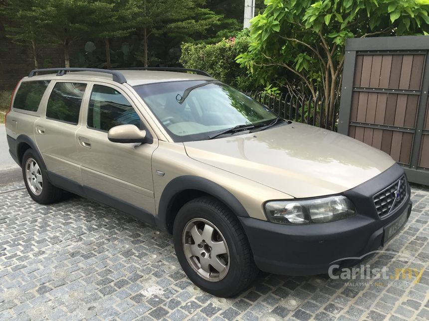 volvo v70 xc 2001 crosscountry 2 3 in kuala lumpur automatic suv gold for rm 30 000 3496171. Black Bedroom Furniture Sets. Home Design Ideas