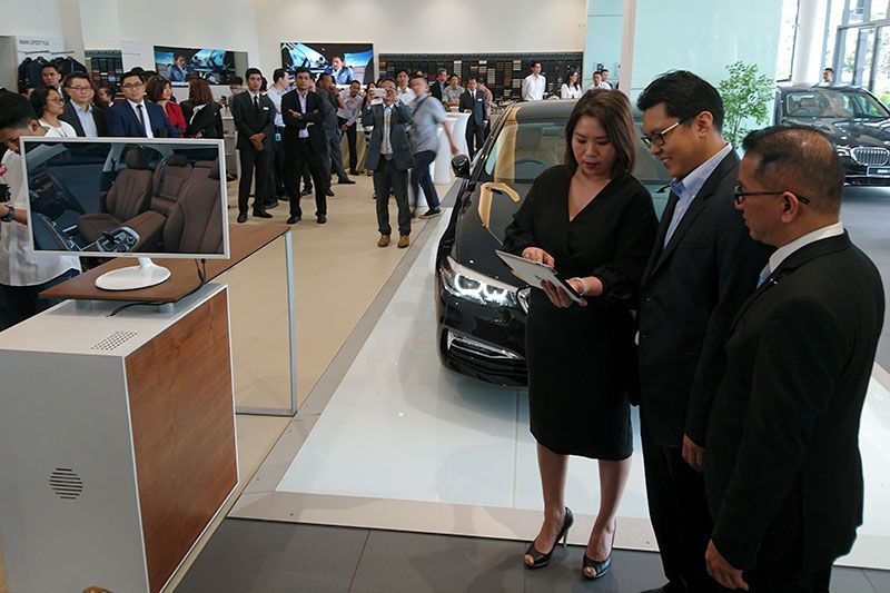 BMW Virtual Product Presentation