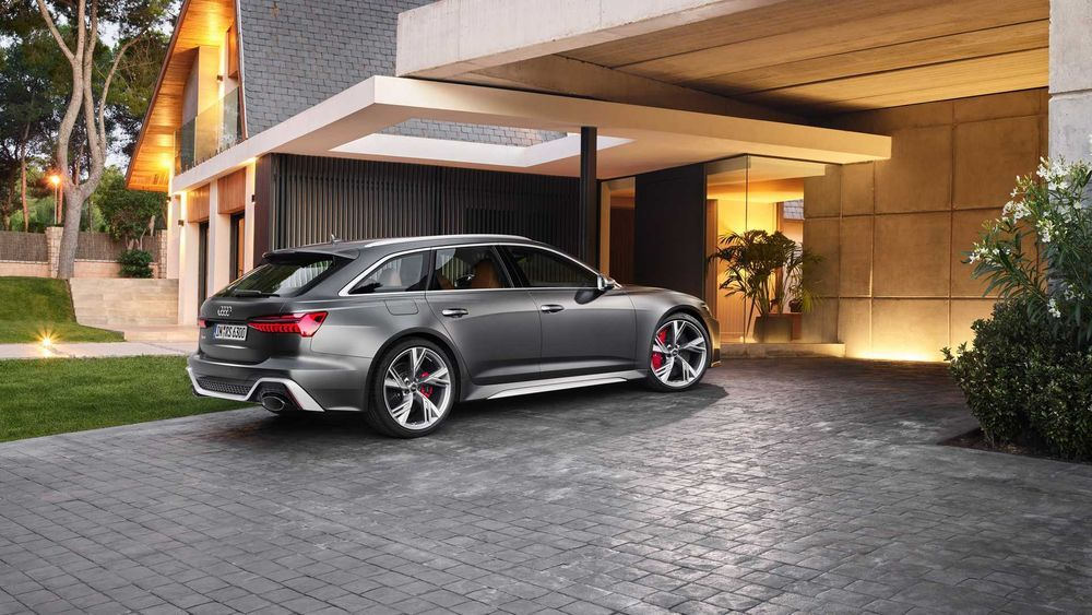 Audi Rilis Mobil Sport RS6 Avant