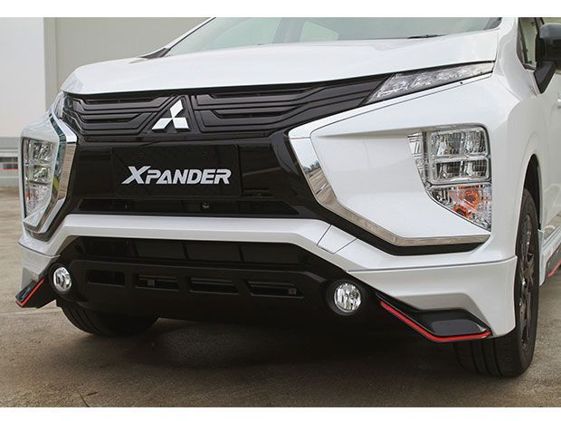 Godaan Warna Putih di Mitsubishi Xpander Black Edition
