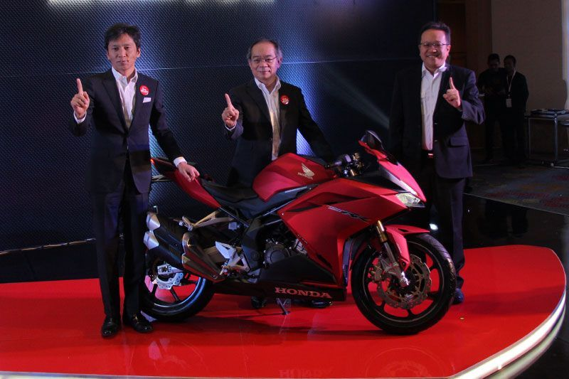 Harga Honda CBR250RR Bravery Mat Red
