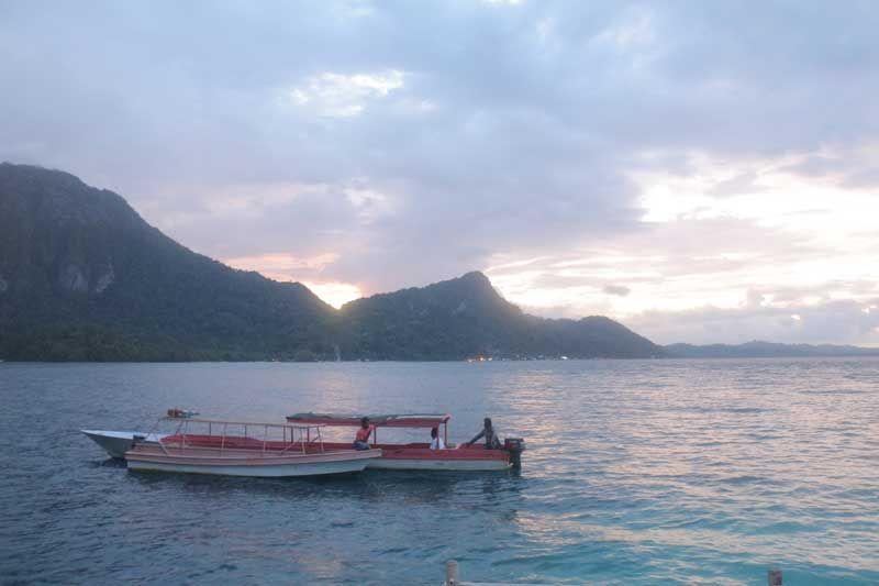 Menikmati Indahnya Pantai Ora di Maluku