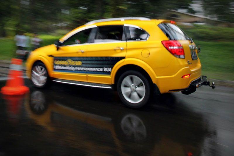 Mencoba Goodyear EfficientGrip Performance SUV di Puncak