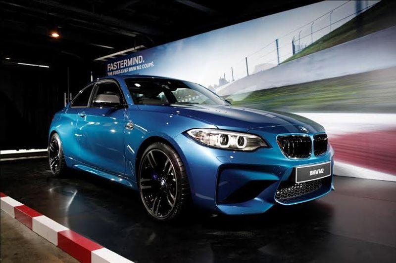 Eksterior BMW M2 Coupe menyuguhkan karakter sporty